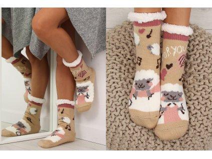 Dámské protiskluzové ponožky s beránkem béžové