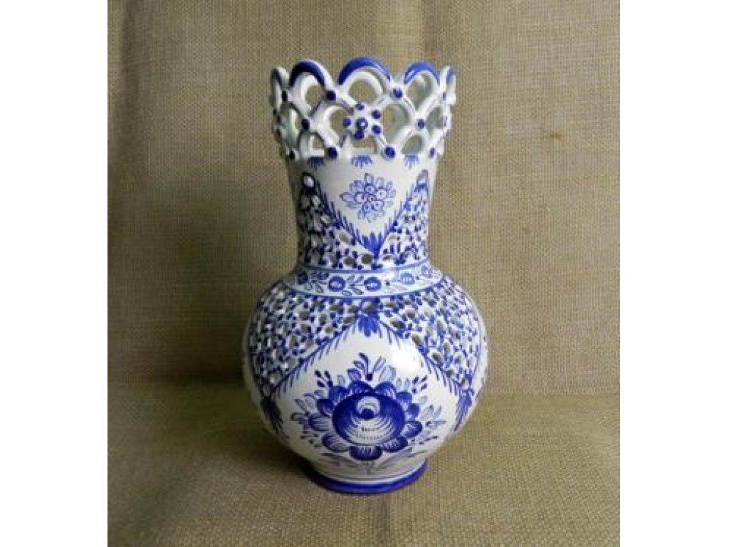 Keramická váza řezaná 3 krajky