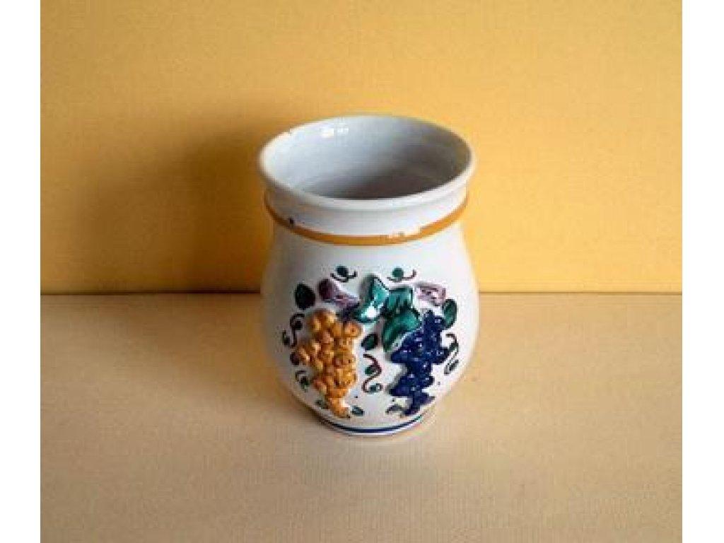 Keramický pohár na víno, plastický