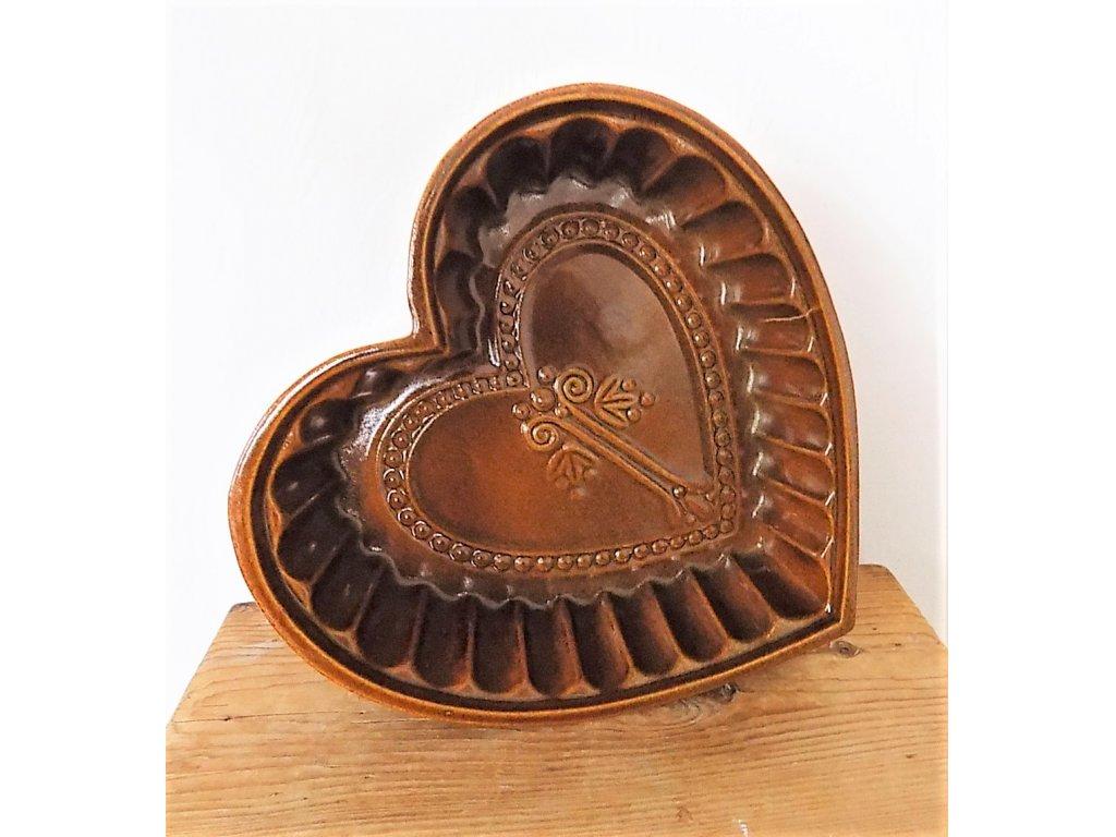 Pečící forma srdce průměr 28 cm, objem 1,5 litru, keramika