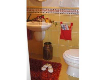 Kanafasový kapsář Andrea 2+červená, 25x30 cm