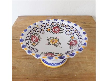 Keramická miska dírková na stopce, slovácká - průměr 16 cm