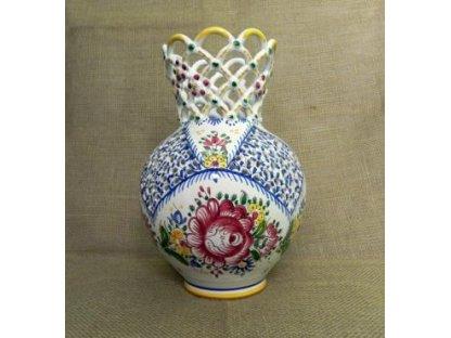 Keramická váza s pěti krajkami, slovácká