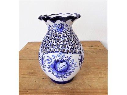 Keramická váza s vlnkou, modrobílá - jemná řezba I.