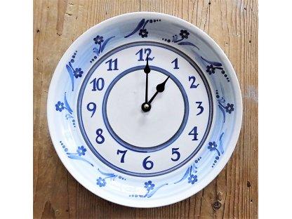 Keramické hodiny modré sedmikrásky