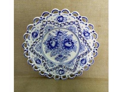 Keramický talíř řezaný modrobílý - jedna krajka
