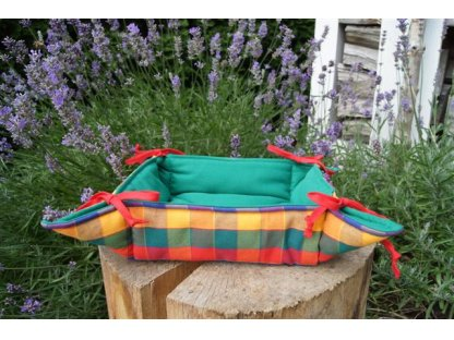 Košíček kanafas, na pečivo, Tomáš 2, zelená+barevná kostka,  35x35/6 cm