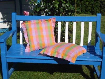 Ozdobný polštářek z kanafasu s lemem, Vendy, barevné kostky 40x40 cm