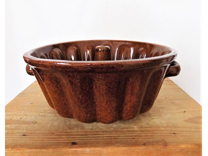 Pečící forma bábovka hnědá průměr 25 cm, objem 1,5 litru, keramika