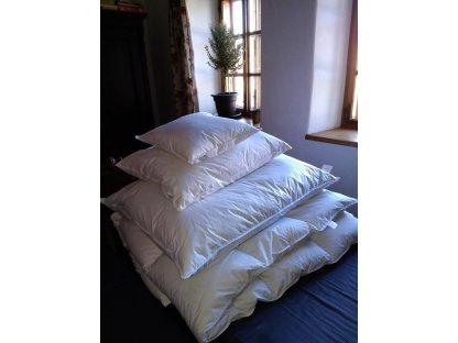 Peřina husí peří, 240x220 cm, 20% prachového peří, bílá