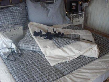 Přehoz na postel Šimon mřížka+bílý okraj prodloužený, 140x220 cm,bavlna, kanafas
