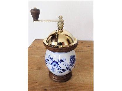 Ruční mlýnek na kávu, porcelánový buclák-vzor cibulák, 21x10 cm