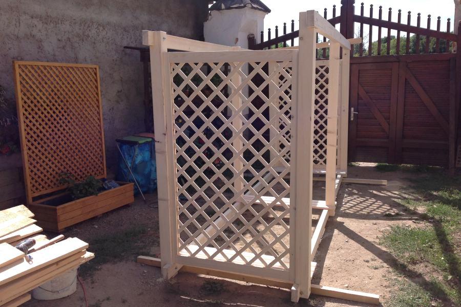 Z výroby dřevníku Macík 120400