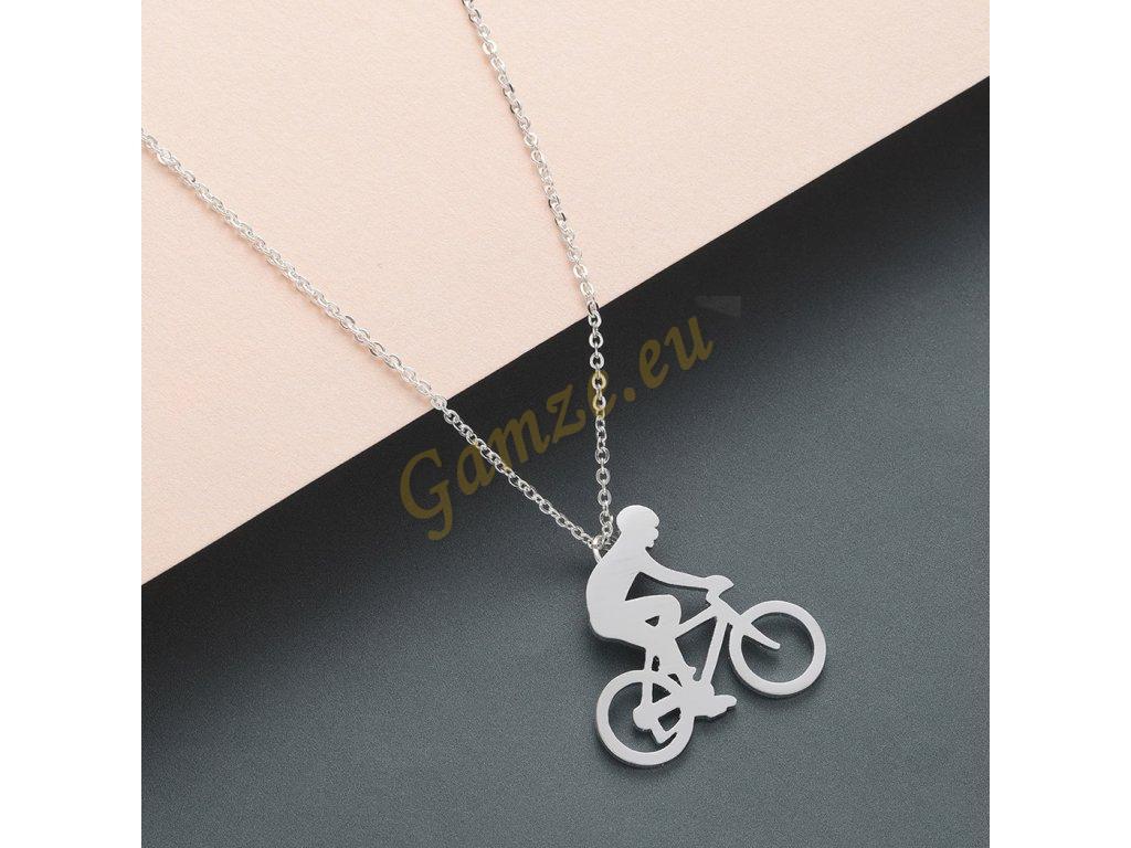 Cyklista včetně řetízku