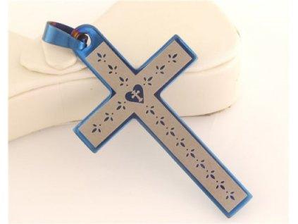 Křížek s modrým olemováním
