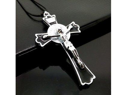 Křížek velký stříbrno-černé barvy