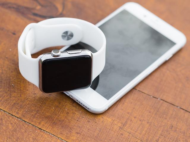 Nové hodinky od Applu se naučily nepřetržitě ukazovat čas