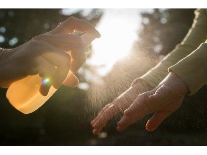 Čisticí sprej na ruce s propolisem